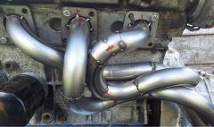 Left exhaust manifold