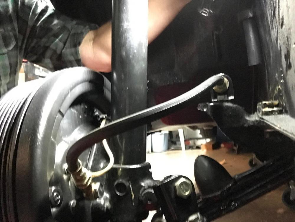 brake hose RF.jpg